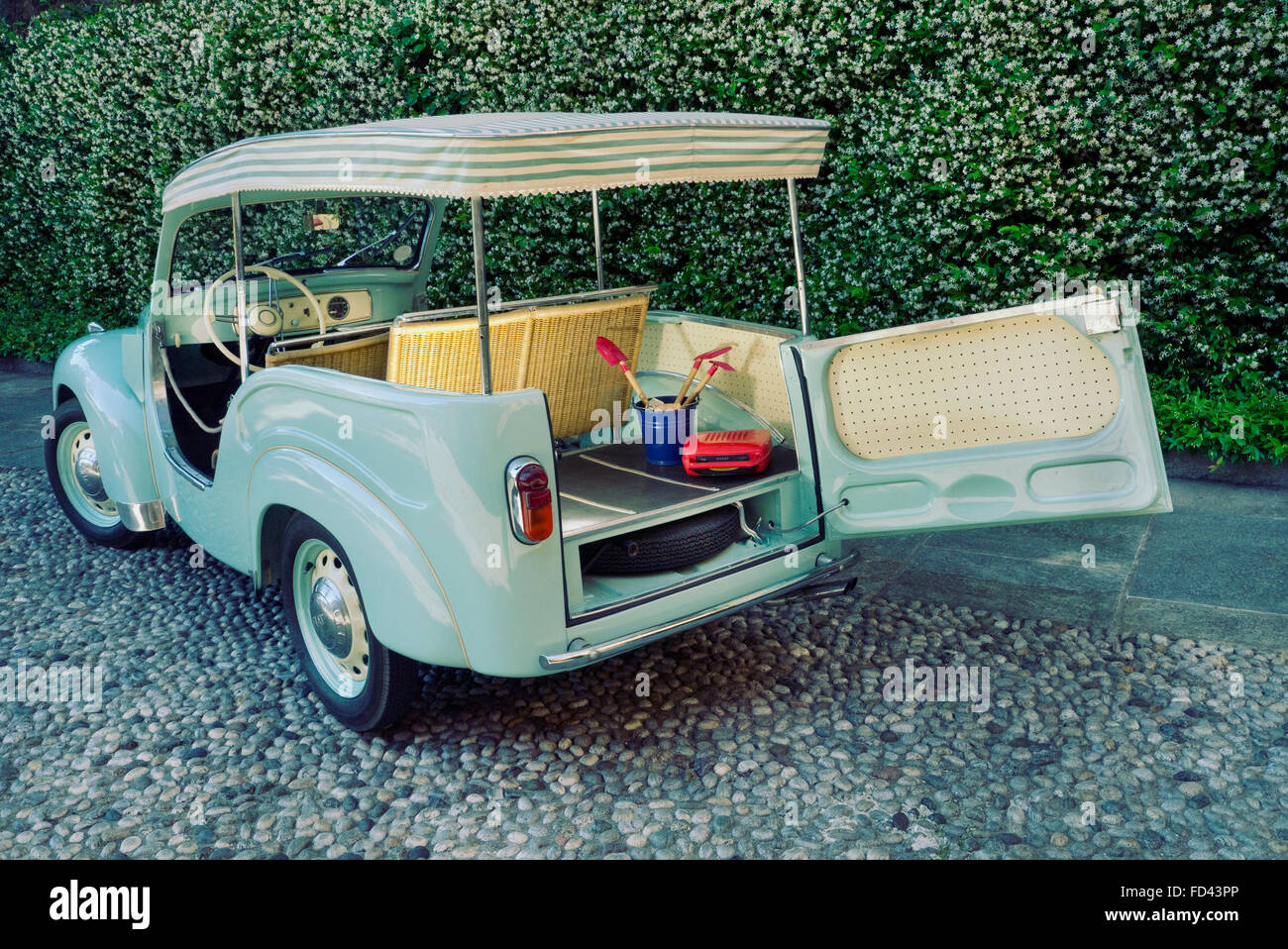 1954 Fiat Topolino Jolly beach car Stock Photo