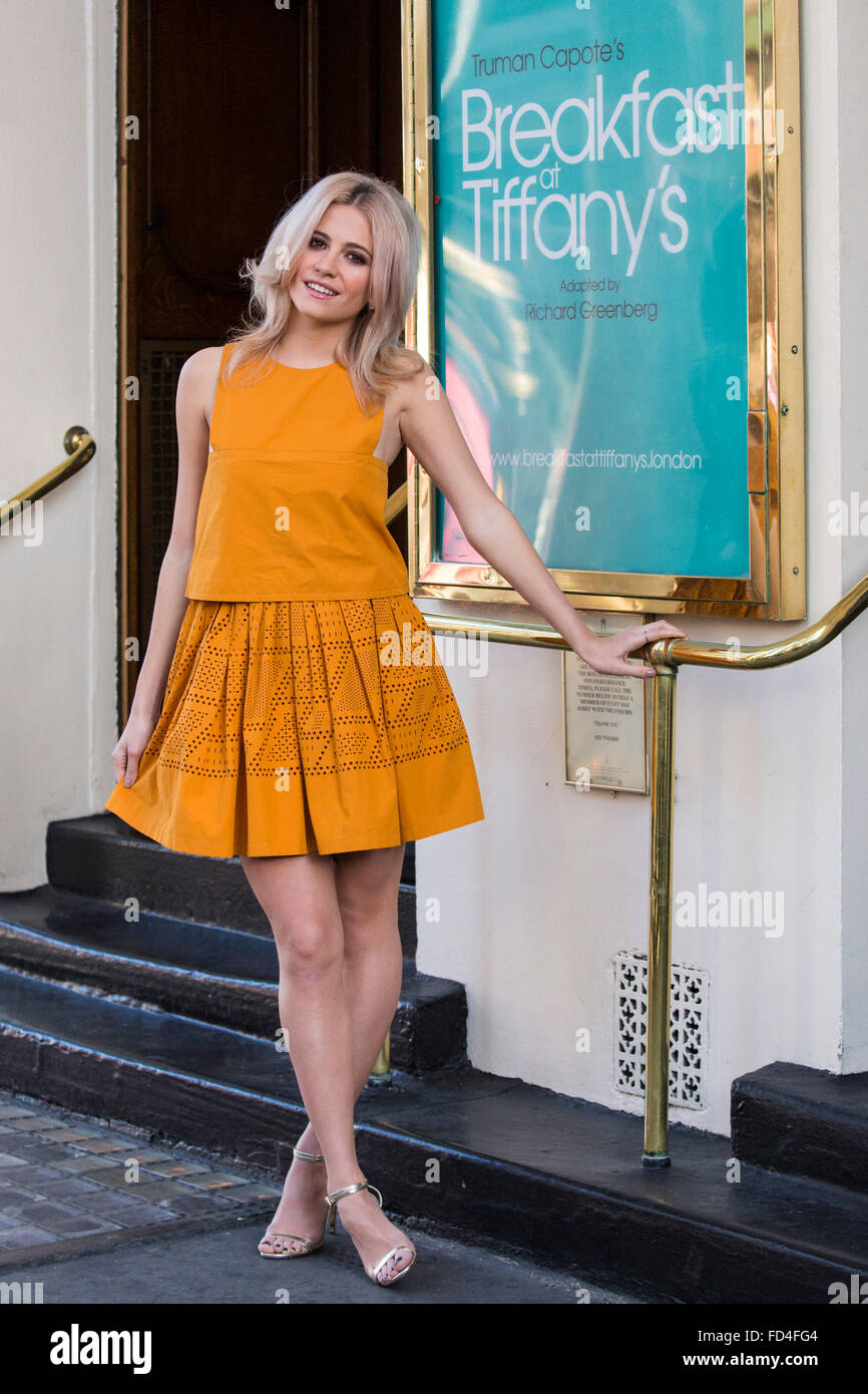 London, UK. 28 January 2016. Pictured. Pixie Lott. Photocall with singer Pixie Lott (Holly Golightly) and her two - Stock Image