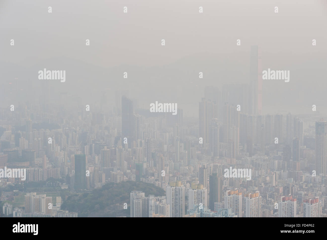 Severe air pollution in Hong Kong obscures the view from the top of Beacon Hill - Stock Image