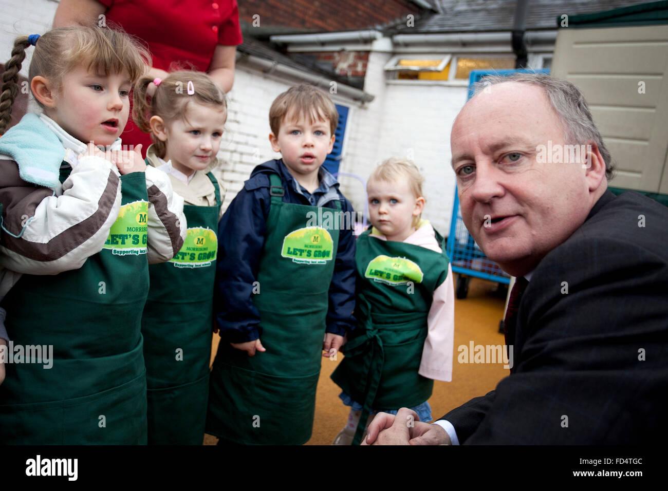 MP Shaun Woodward visits Eccleston Park Nursery , Prescot - Stock Image