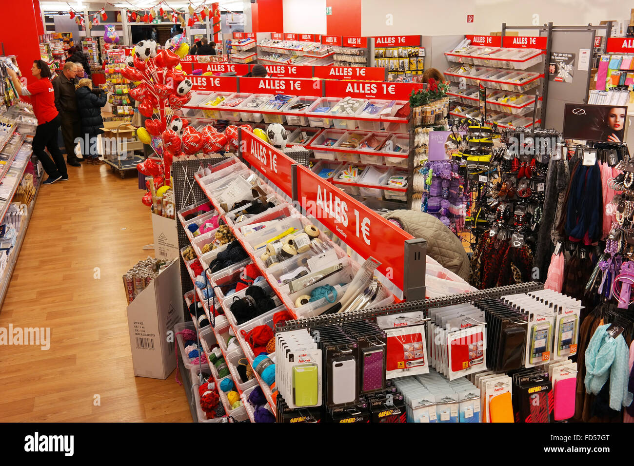 Alles 1€ in the One euro shop - Stock Image