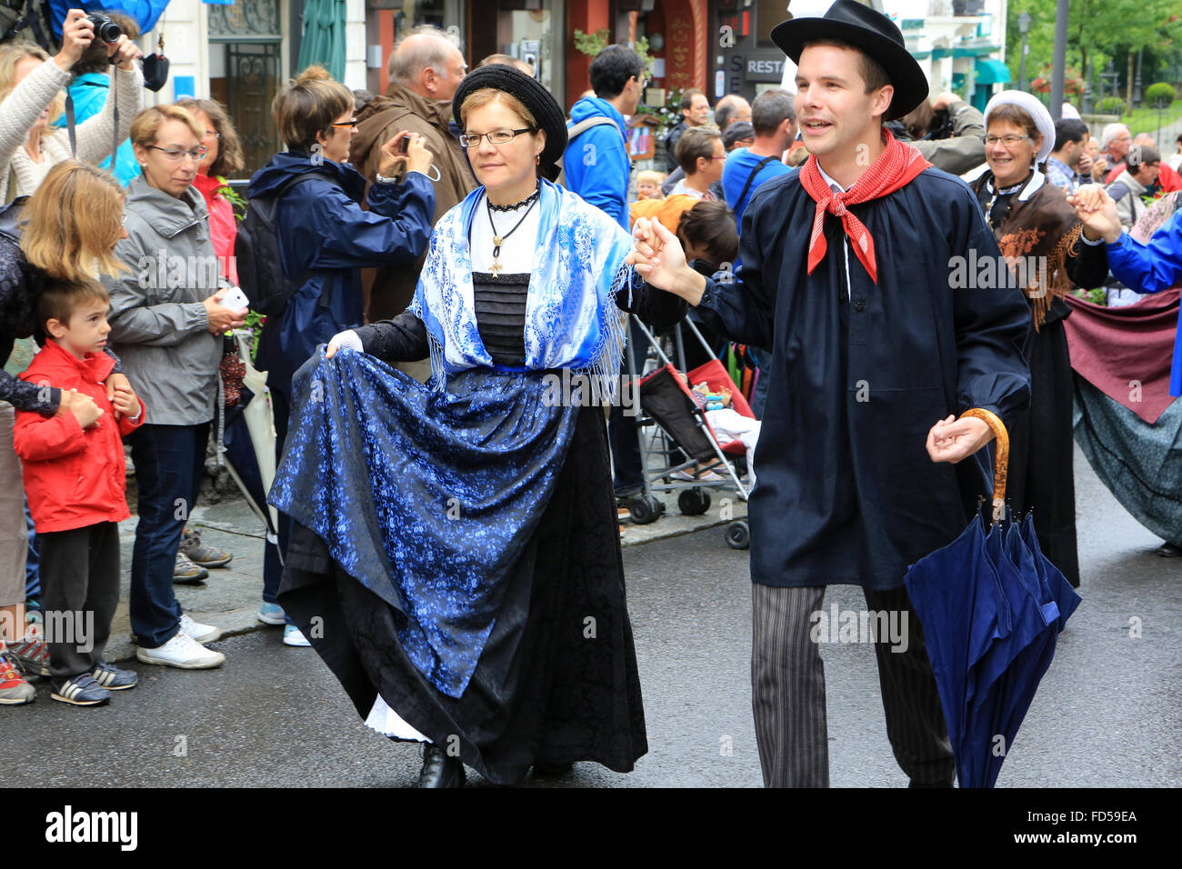 Savoyard folk dance with the cast of 'Chamochire'. - Stock Image