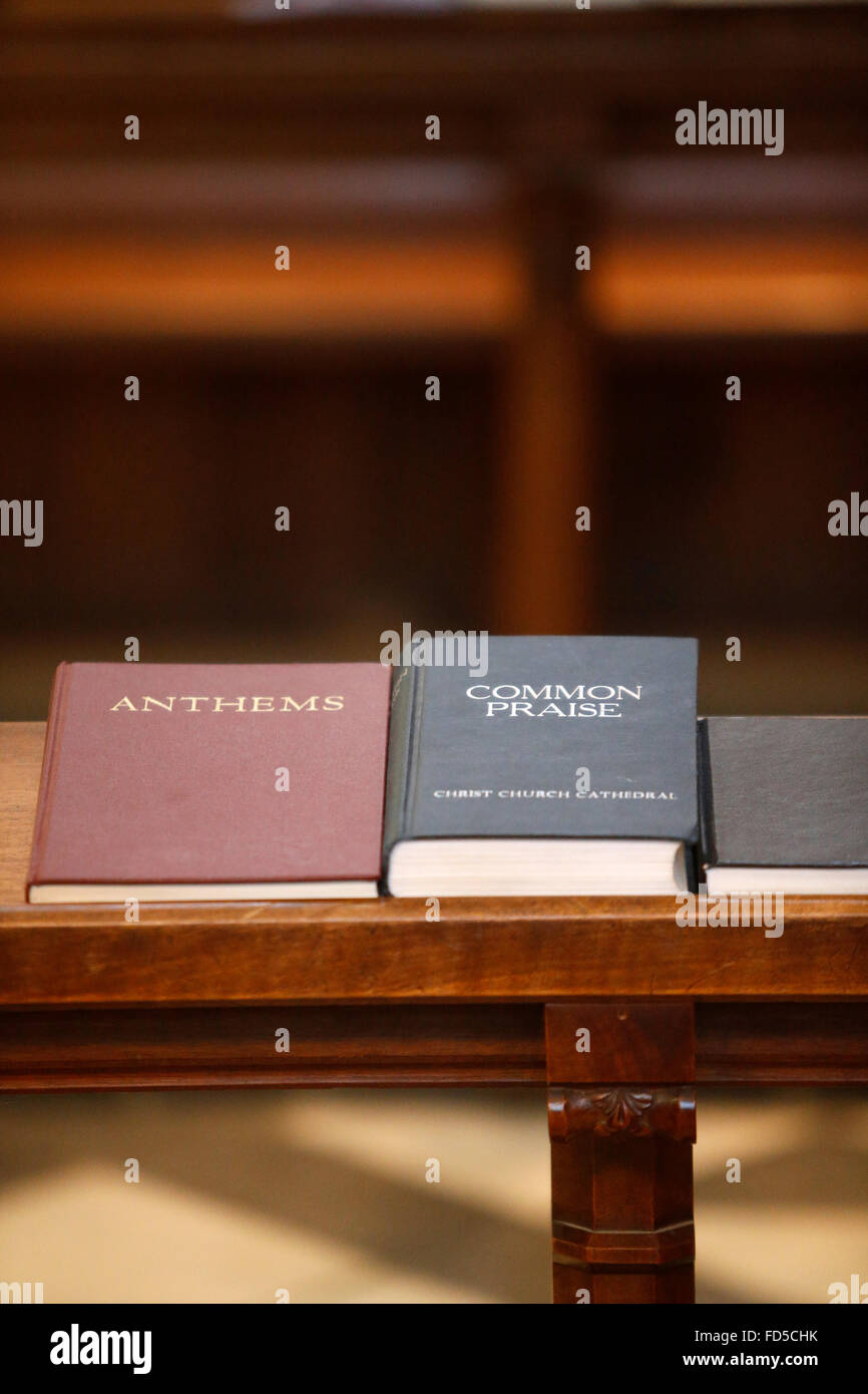 Oxford's Cathedral at Christ Church college, Oxford. Anthem and praise books. - Stock Image
