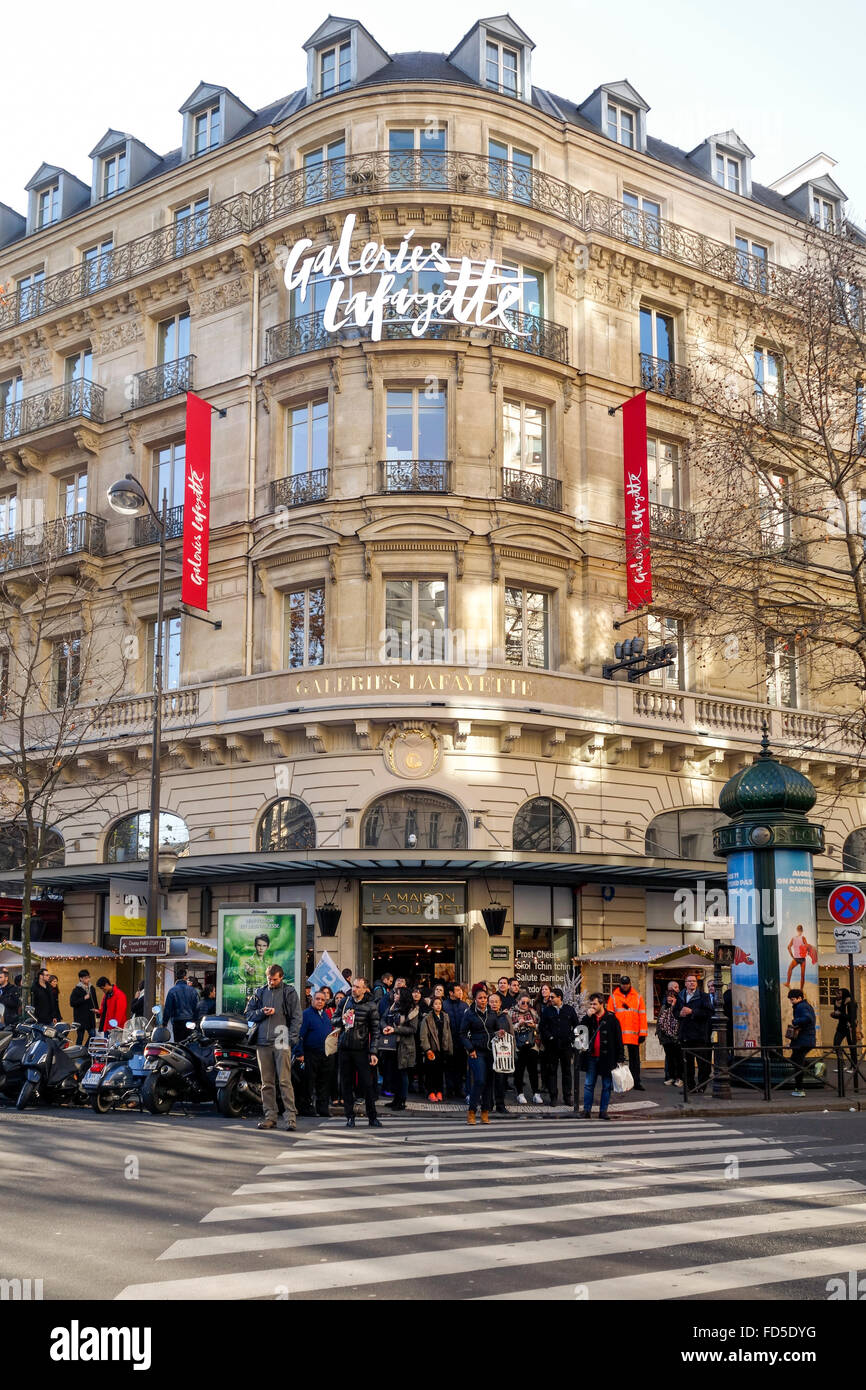 entrance building galeries lafayette shopping mall paris france