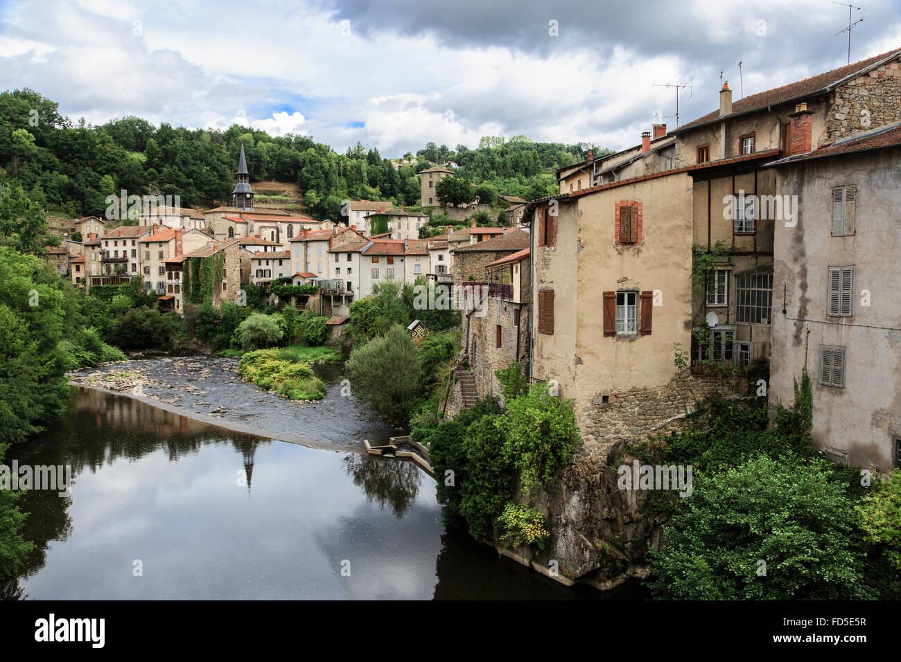 Olliergues on the River Dore, Puy-de-Dôme, Auvergne, France - Stock Image