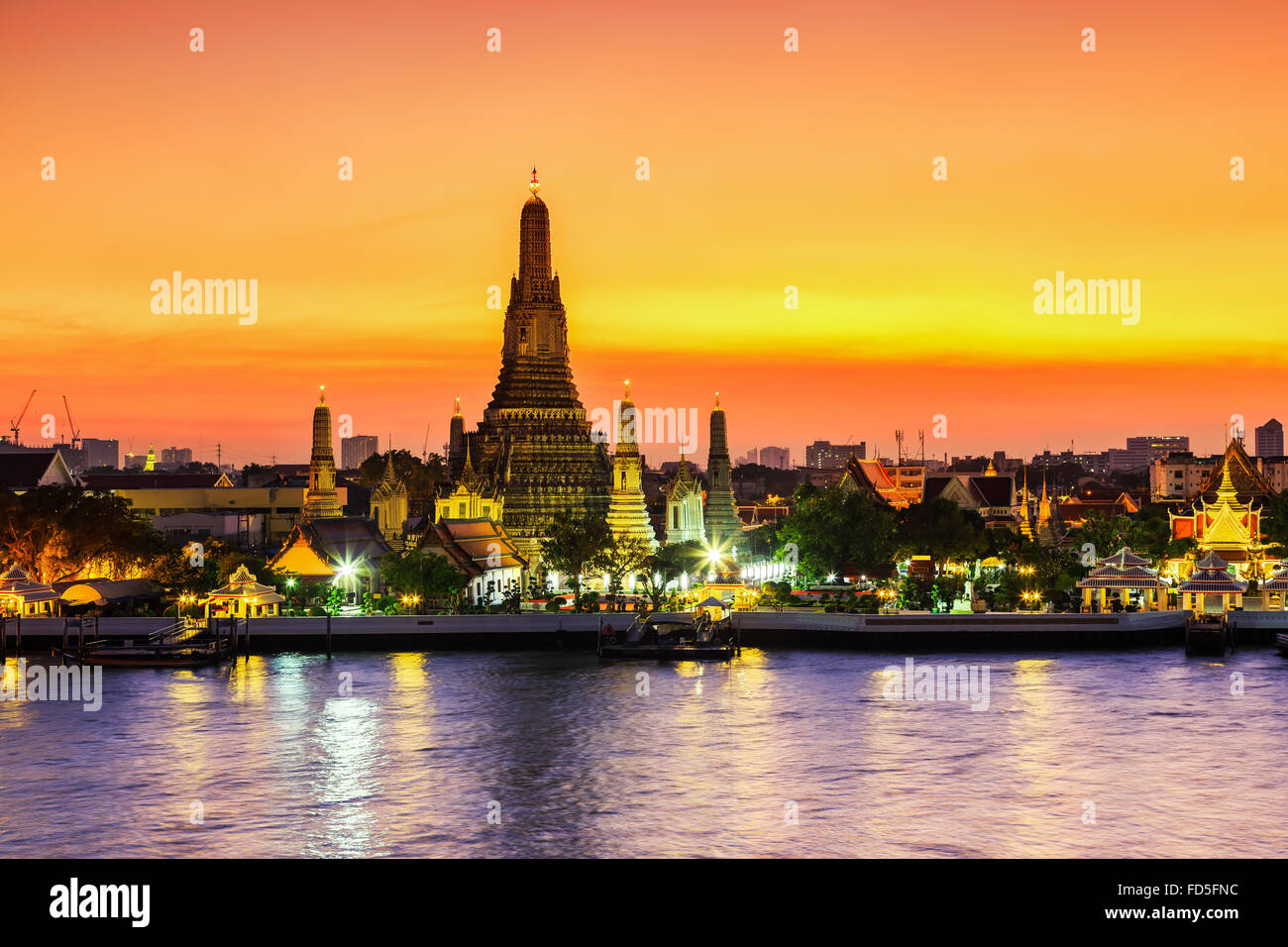 Bangkok, Thailand. Wat Arun Temple(Temple of Dawn) at sunset. - Stock Image