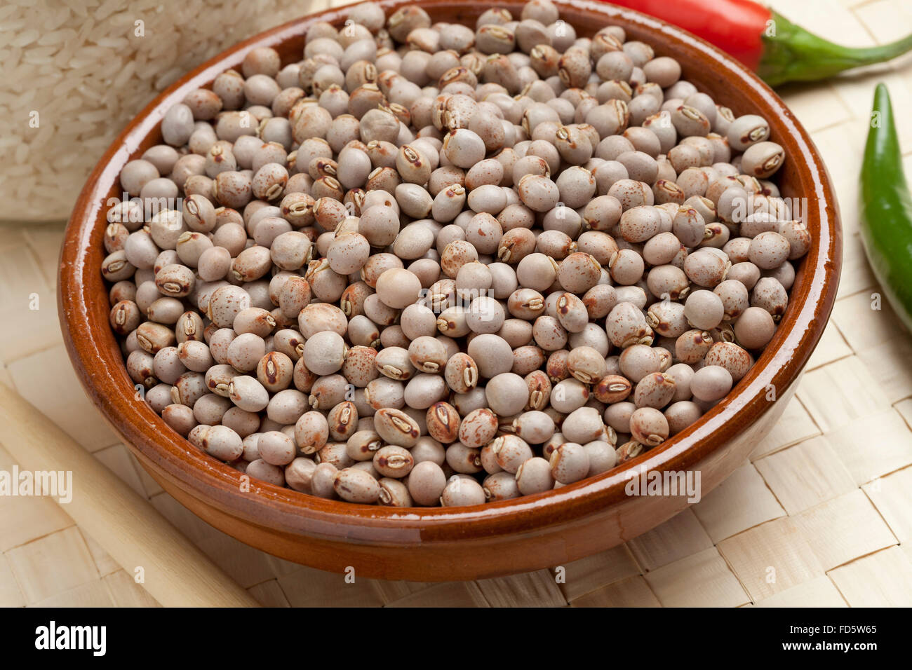 Heap of dried  pigeon peas in a bowl - Stock Image