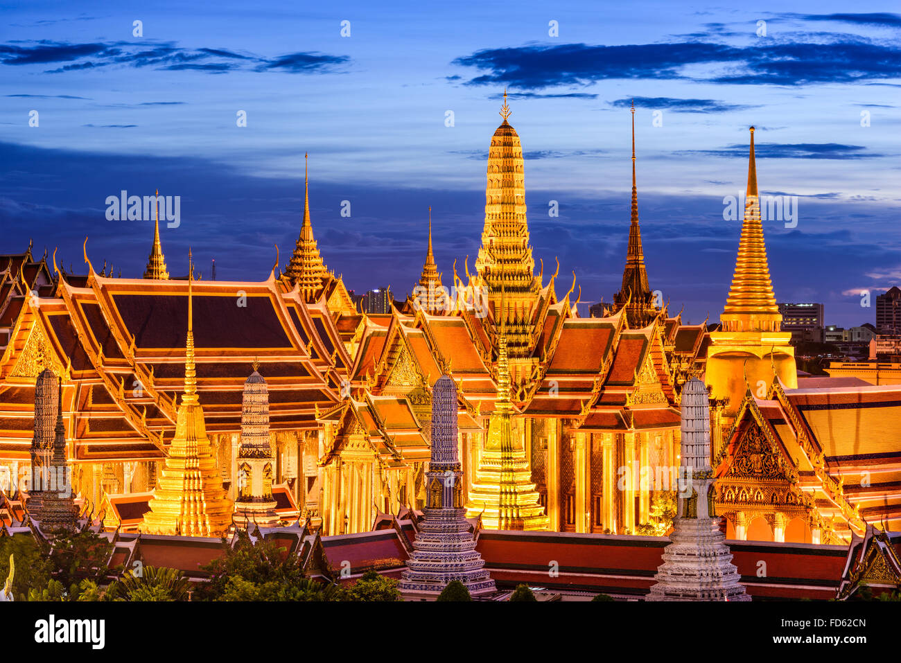 Bangkok, Thailand at Royal Palace and Temple of the Emerald Buddha at night. - Stock Image