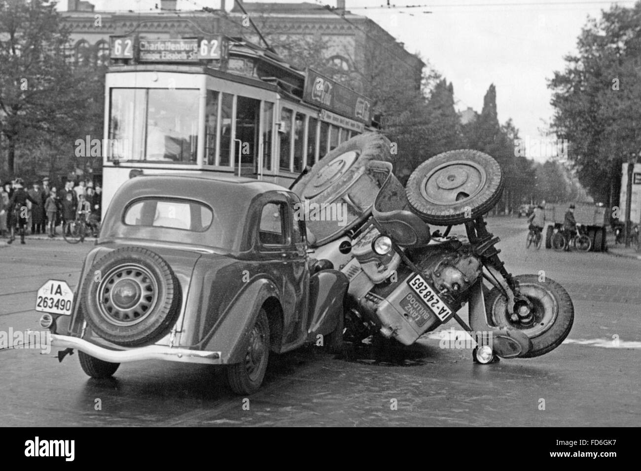 Road traffic accidents until 1945 - Stock Image