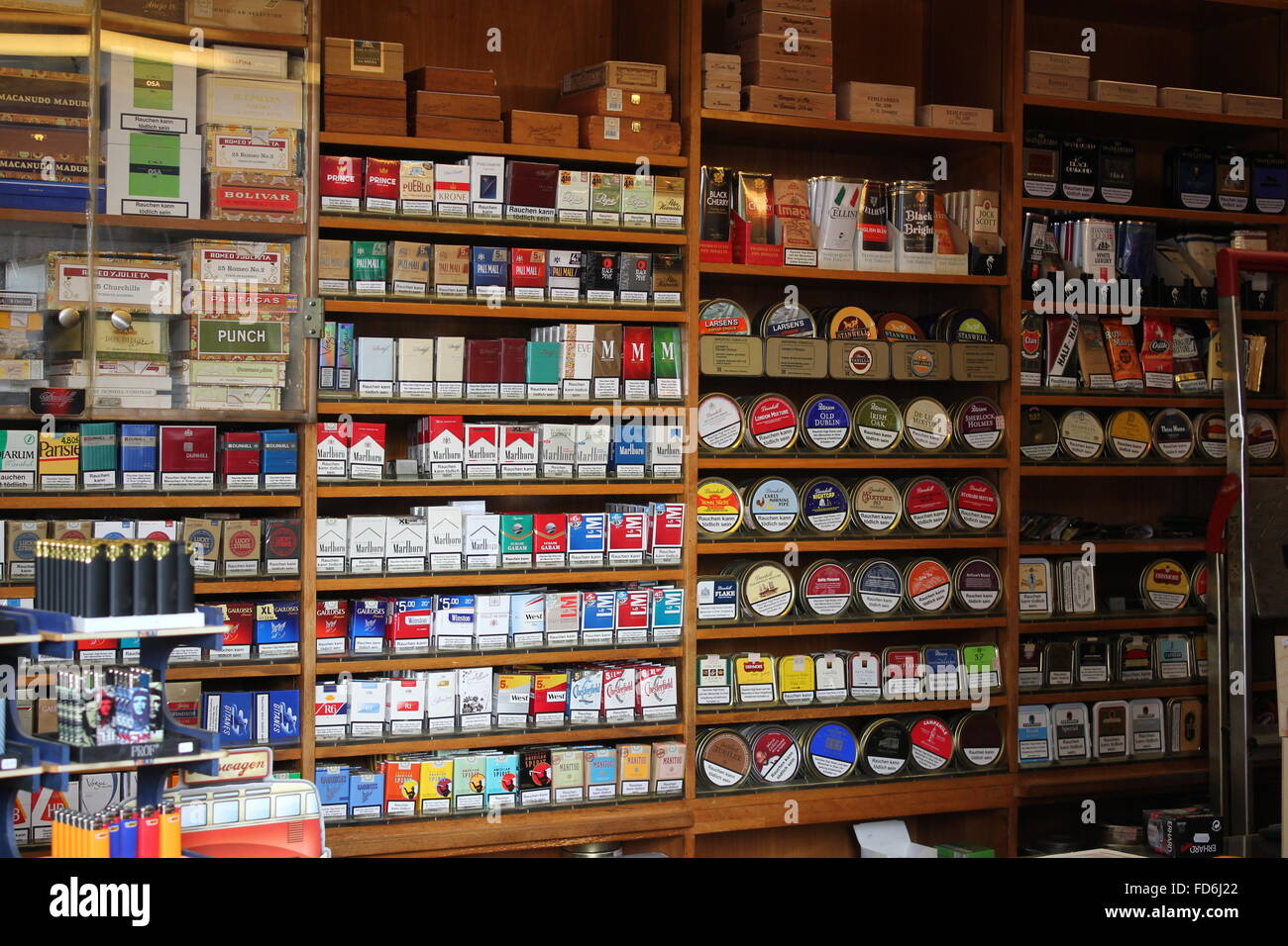 Marlboro blue cigarettesmin UK