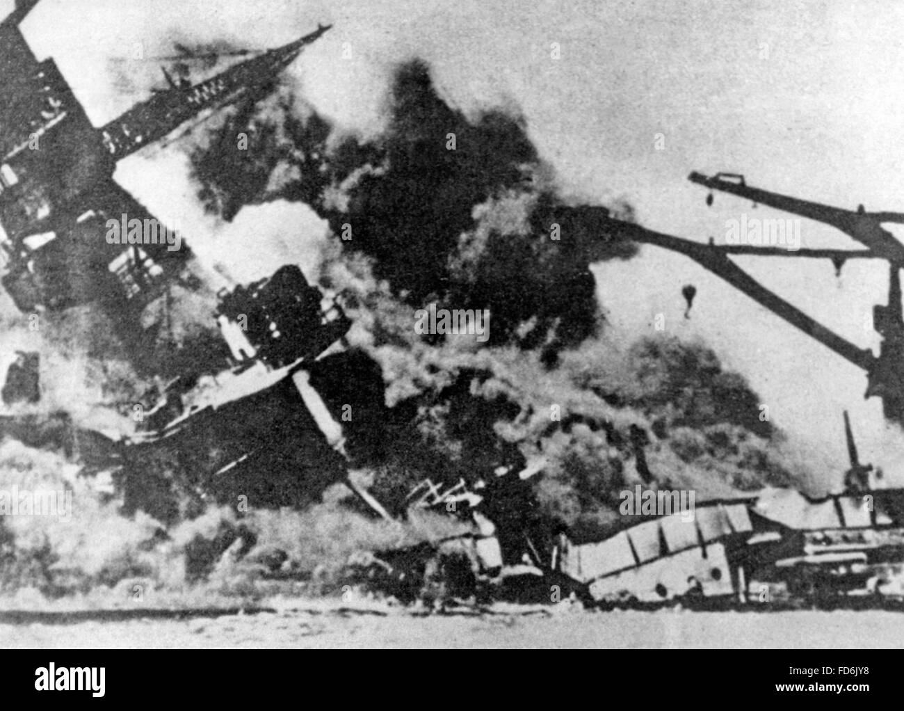 Destroyed battleships in Pearl Harbor on 12/07/1941 - Stock Image