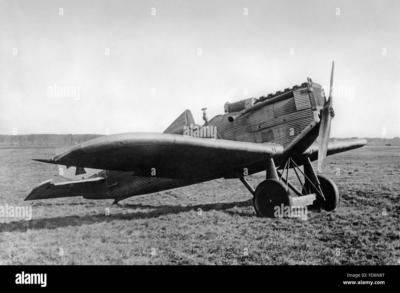 A Junkers D.I parked on an airfield, 1918 - Stock Image