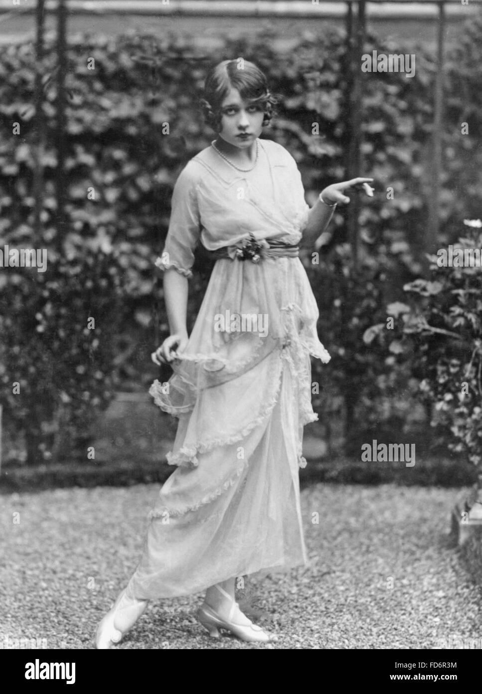 Women's fashion, 1912