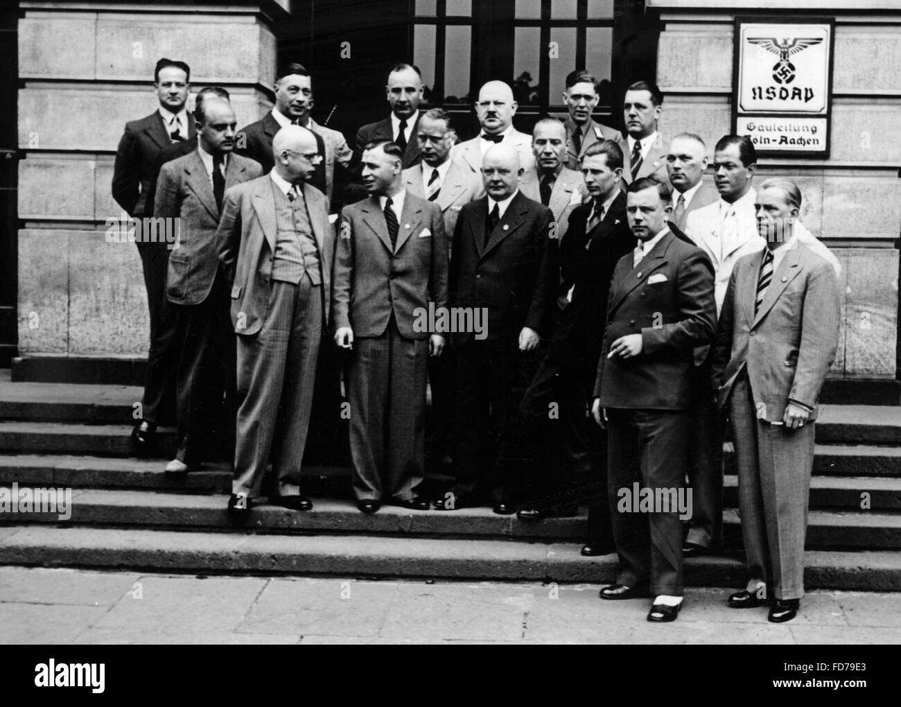 Group photo with Dr. Glasmeier in Cologne, 1937 - Stock Image
