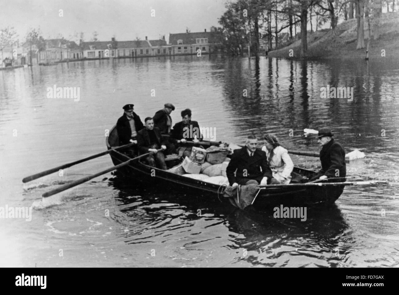 Dutch civilians flee from the island Walcheren, 1944 - Stock Image