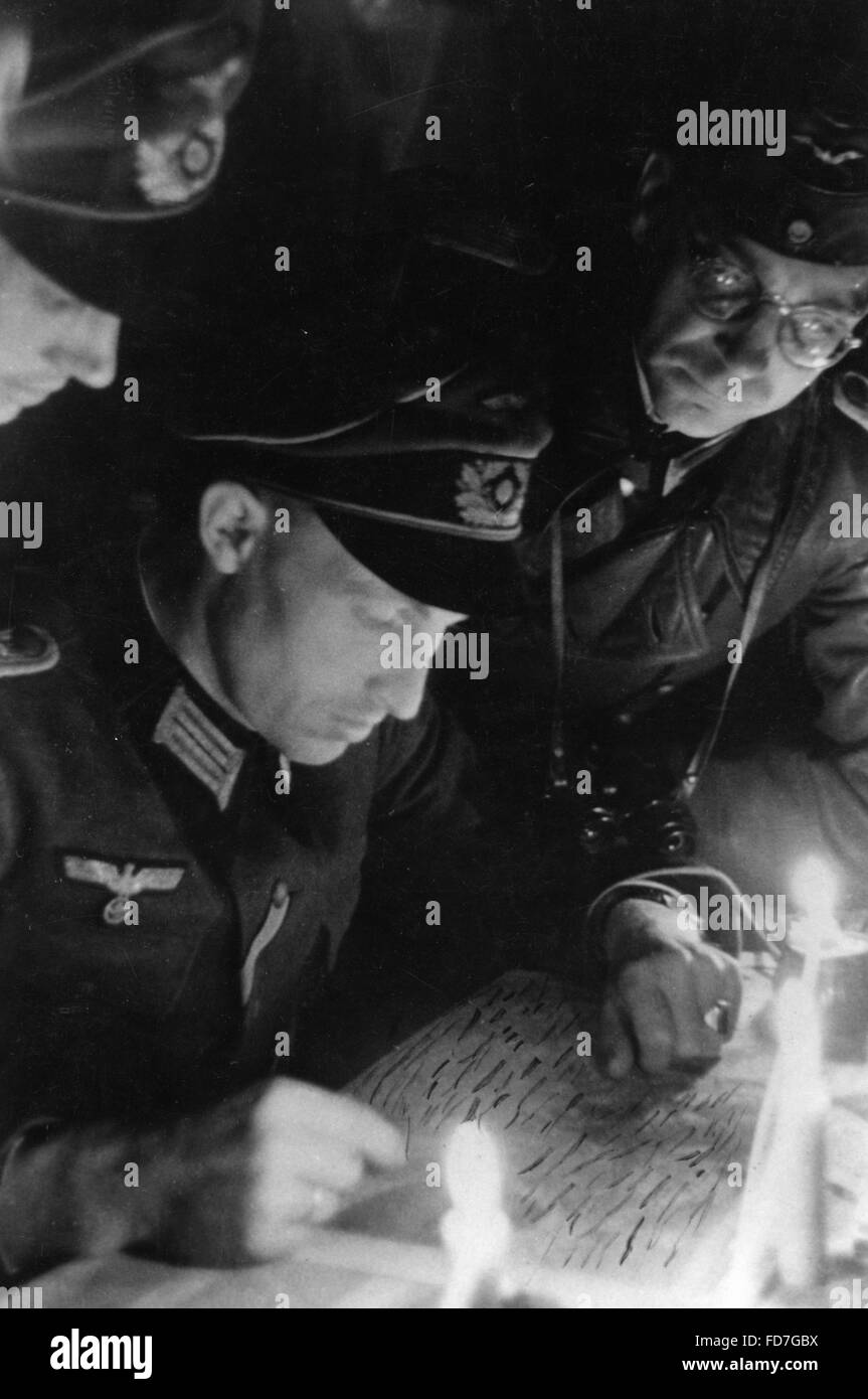 Battalion commander of the Wehrmacht at a briefing, 1944 - Stock Image