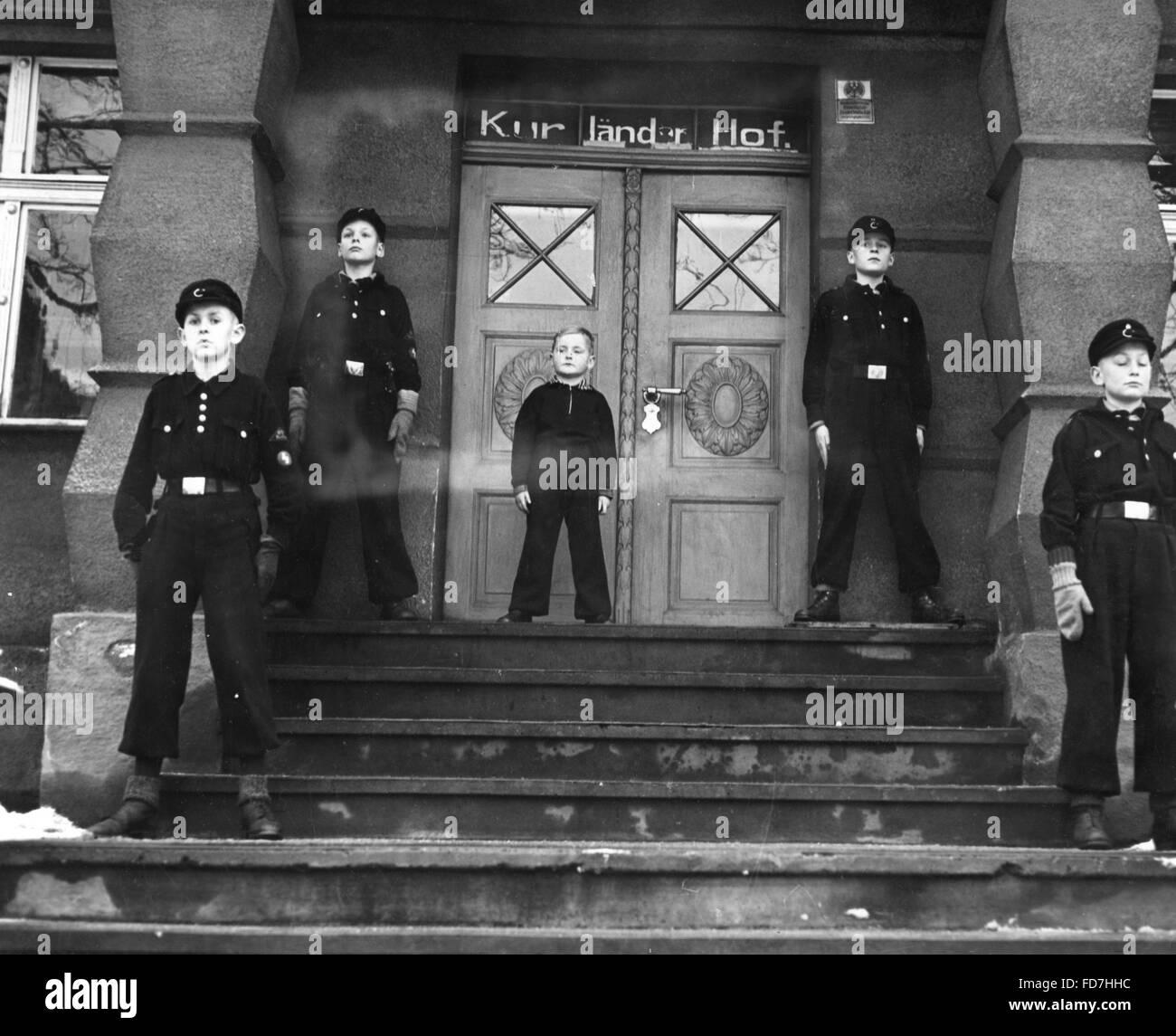 Kinderlandverschickung (evacuation of children) to Salzbrunn, 1940 - Stock Image