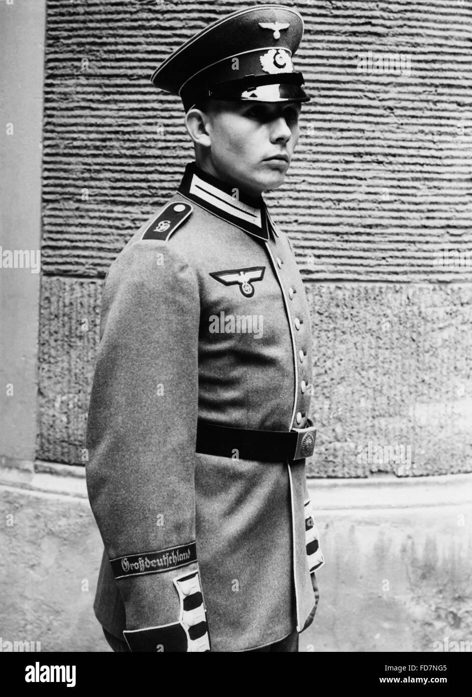 The new uniform of the Infantry Regiment 'Grossdeutschland', 1939