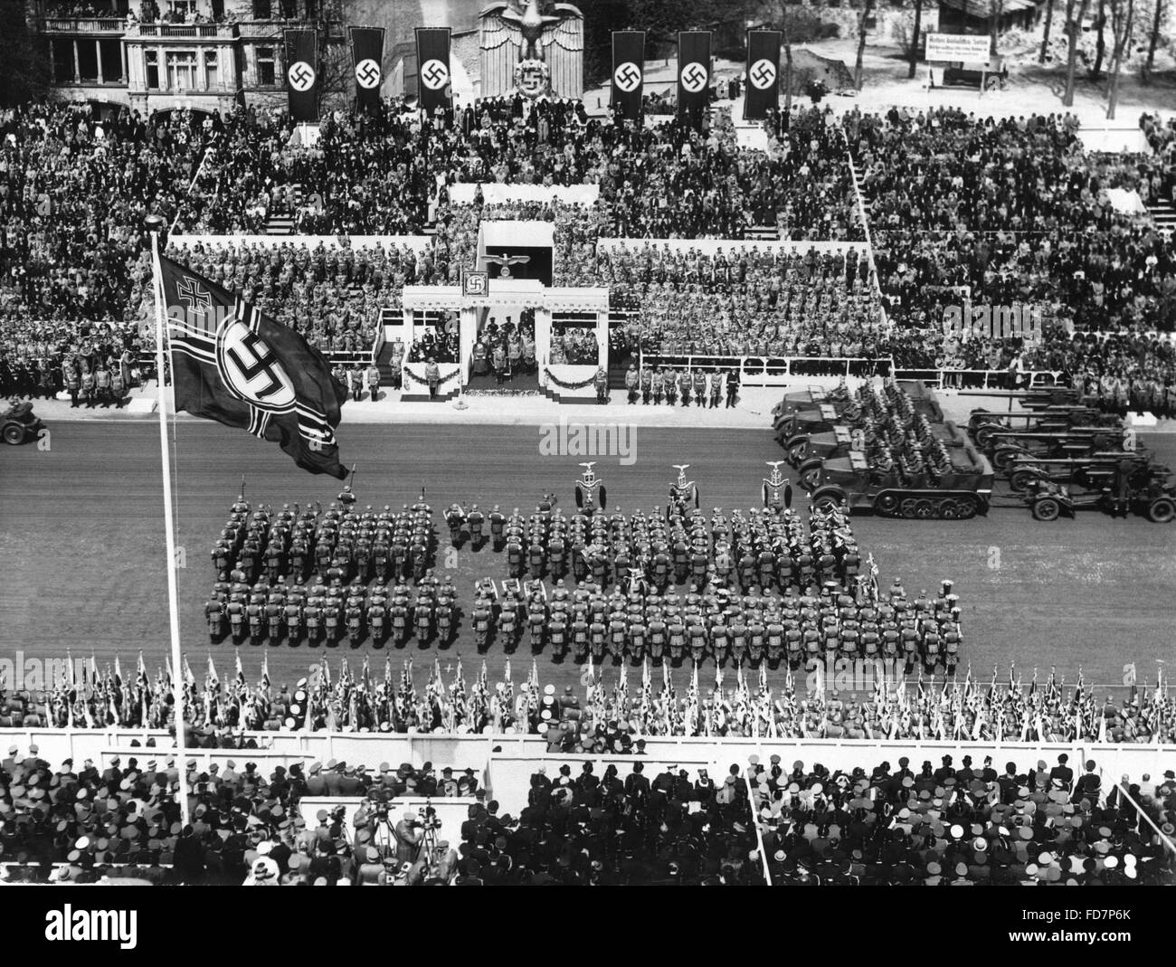 Military parade of the Wehrmacht on the occasion of Hitler's birthday in Berlin, 1939 - Stock Image