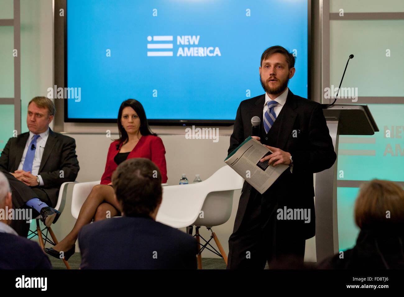 Dveed Gartenstein-Ross speaking on Jihadist Movement conflicts at New America - December 04, 2015, Washington, DC - Stock Image
