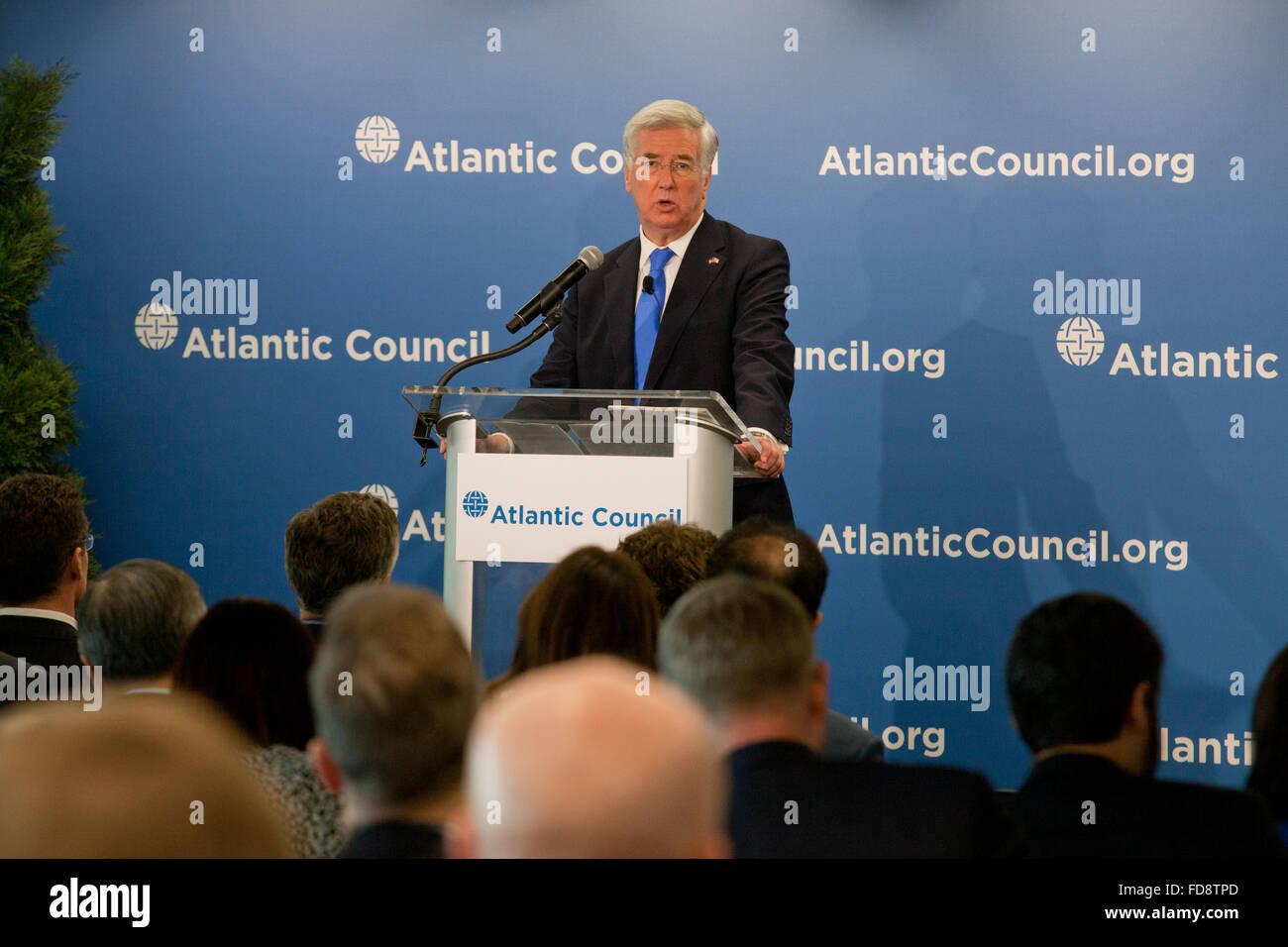 Michael Fallon MP for Sevenoaks (UK Secretary of State for Defense) speaking at Atlantic Council - Washington, DC - Stock Image