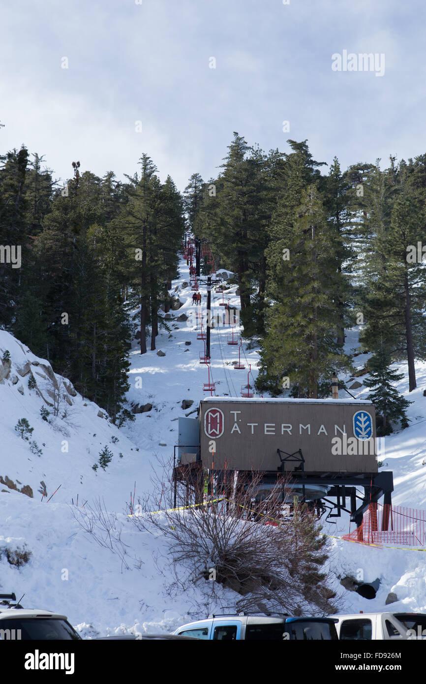 snow and ski lift at mt waterman ski area in the san gabriel stock