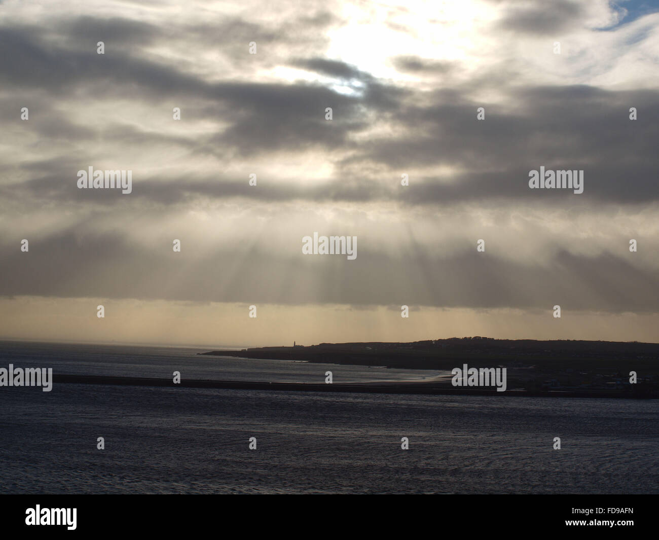 Newcastle Upon Tyne, 29th January 2016, UK Weather. Blustery storm clouds over the North East coastline at South - Stock Image