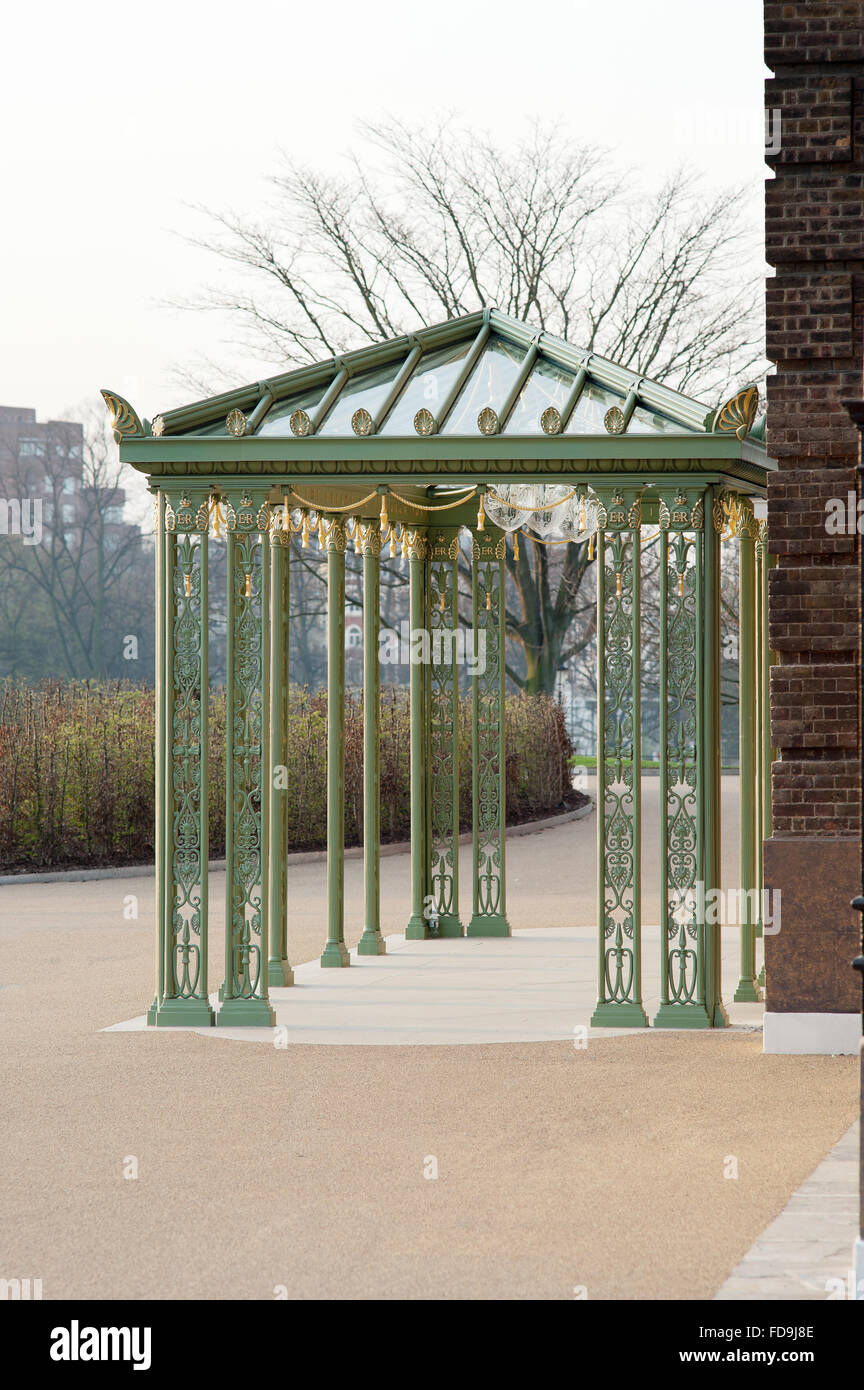 Wrought iron entrance canopy added to Kensington Palace to celebrate Queen Elizabeth II's Diamond Jubilee - Stock Image