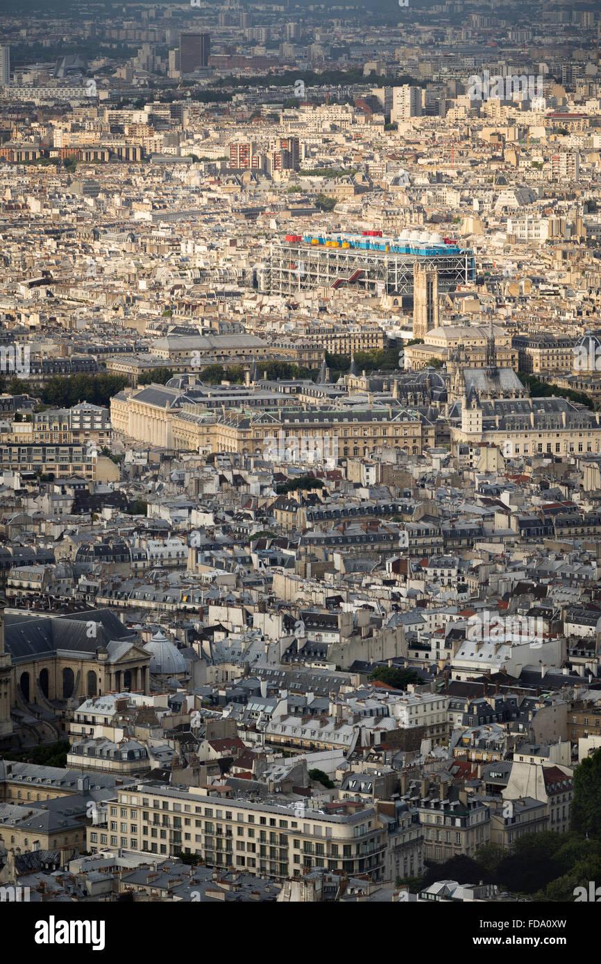 Aerial view, rooftops of the 4th arrondissement in Paris including Ile de la Cite and Centre Georges Pompidou (Pompidou - Stock Image
