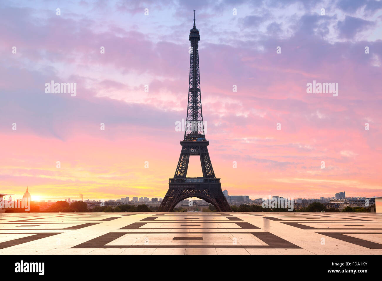 Paris, Eiffel tower at sunrise - Stock Image