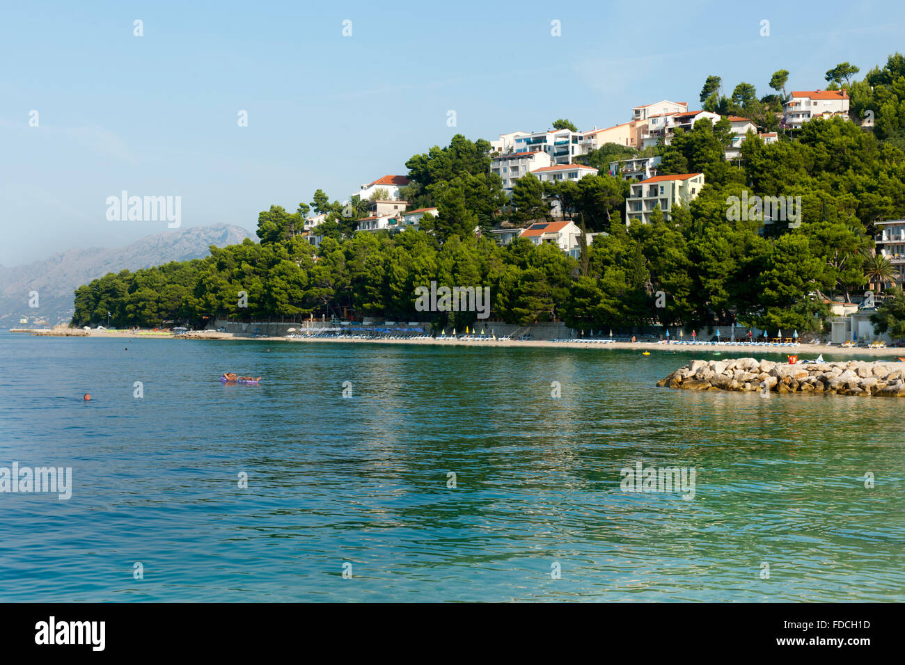 Kroatien, Dalmatien, Makarska Riviera, Strand von Baska Voda - Stock Image