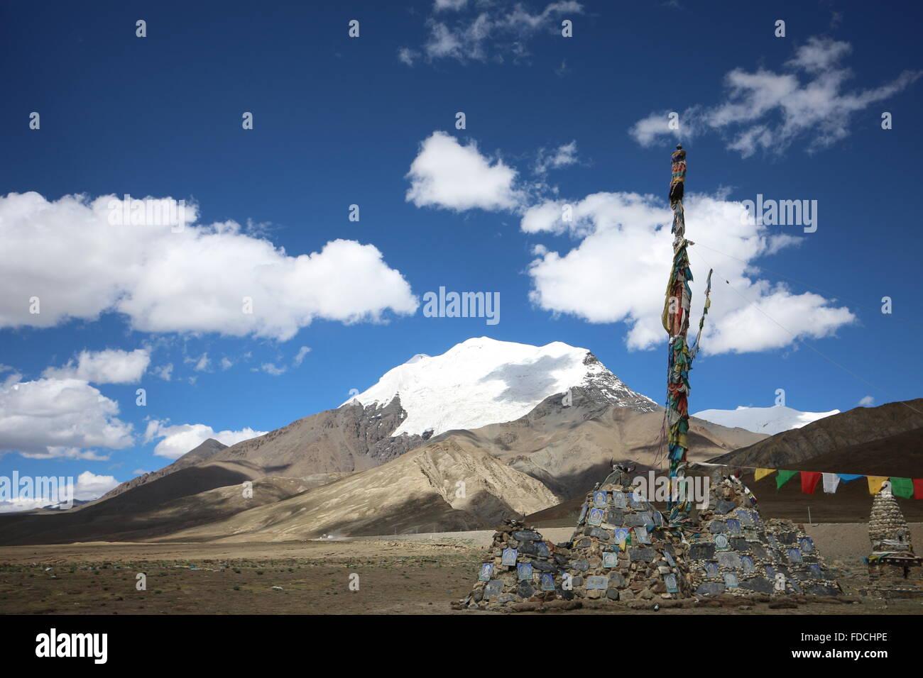Snow Mountain in Tibet - Stock Image