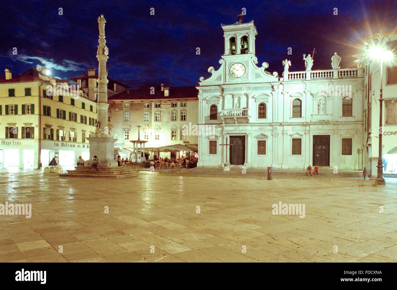 Italy friuli venezia giulia udine piazza matteotti for Piazza del friuli