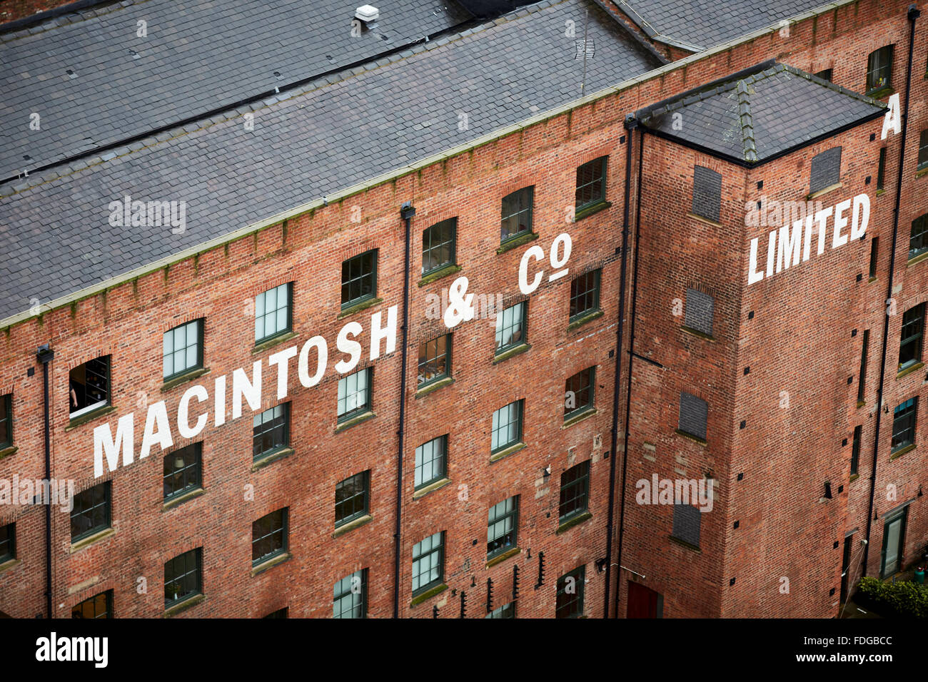 Manchester skyline   Macintosh & Co apartment buildings city living rain damp weather tracks high view point - Stock Image