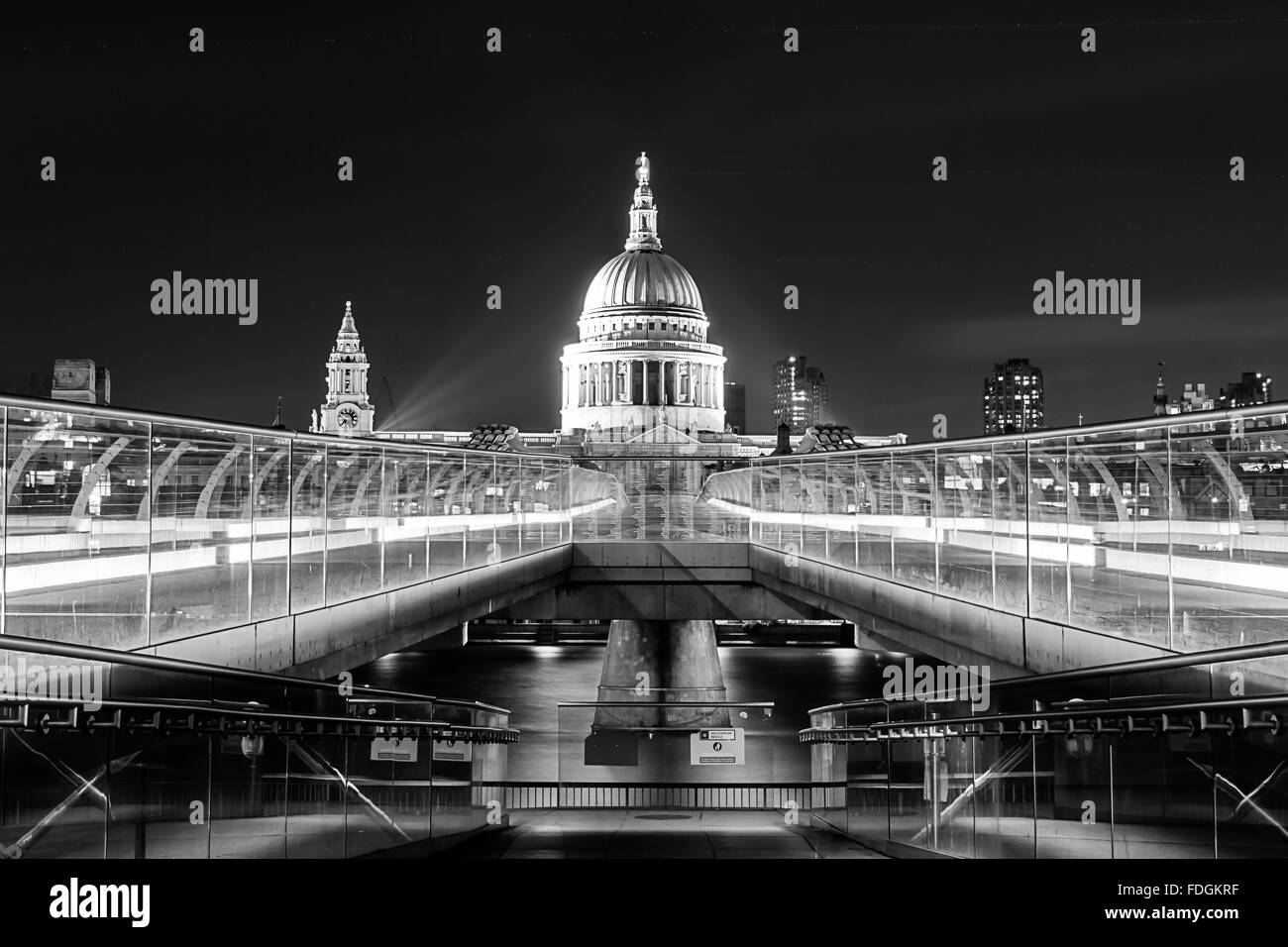 St Paul's Cathedral and City of London from the south bank of the River Thames near Millennium Bridge (The Wobbly - Stock Image