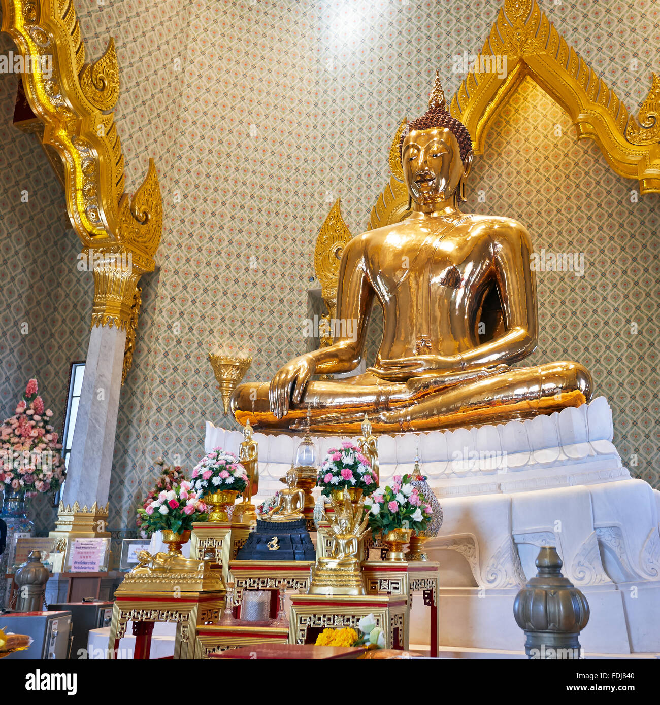 Solid gold Buddha image in Wat Traimit Temple. Bangkok, Thailand. Stock Photo