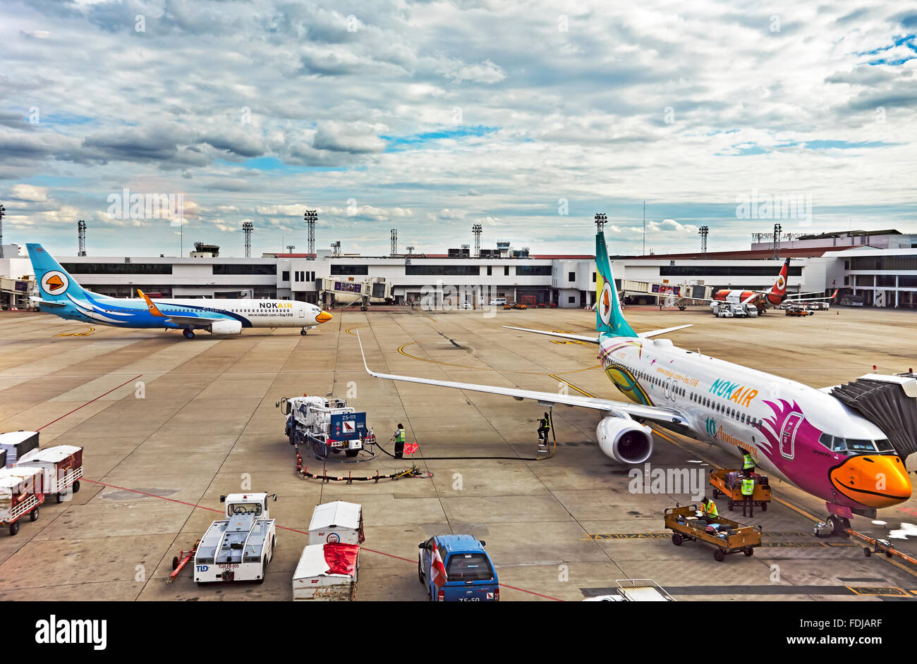 how to go don muang airport