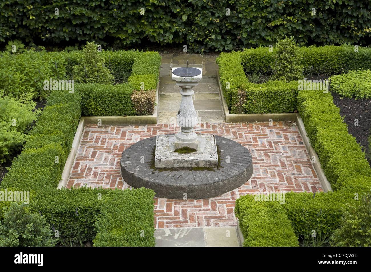Merveilleux Sundial On A Plinth In The Garden At Washington Old Hall, Tyne U0026 Wear.