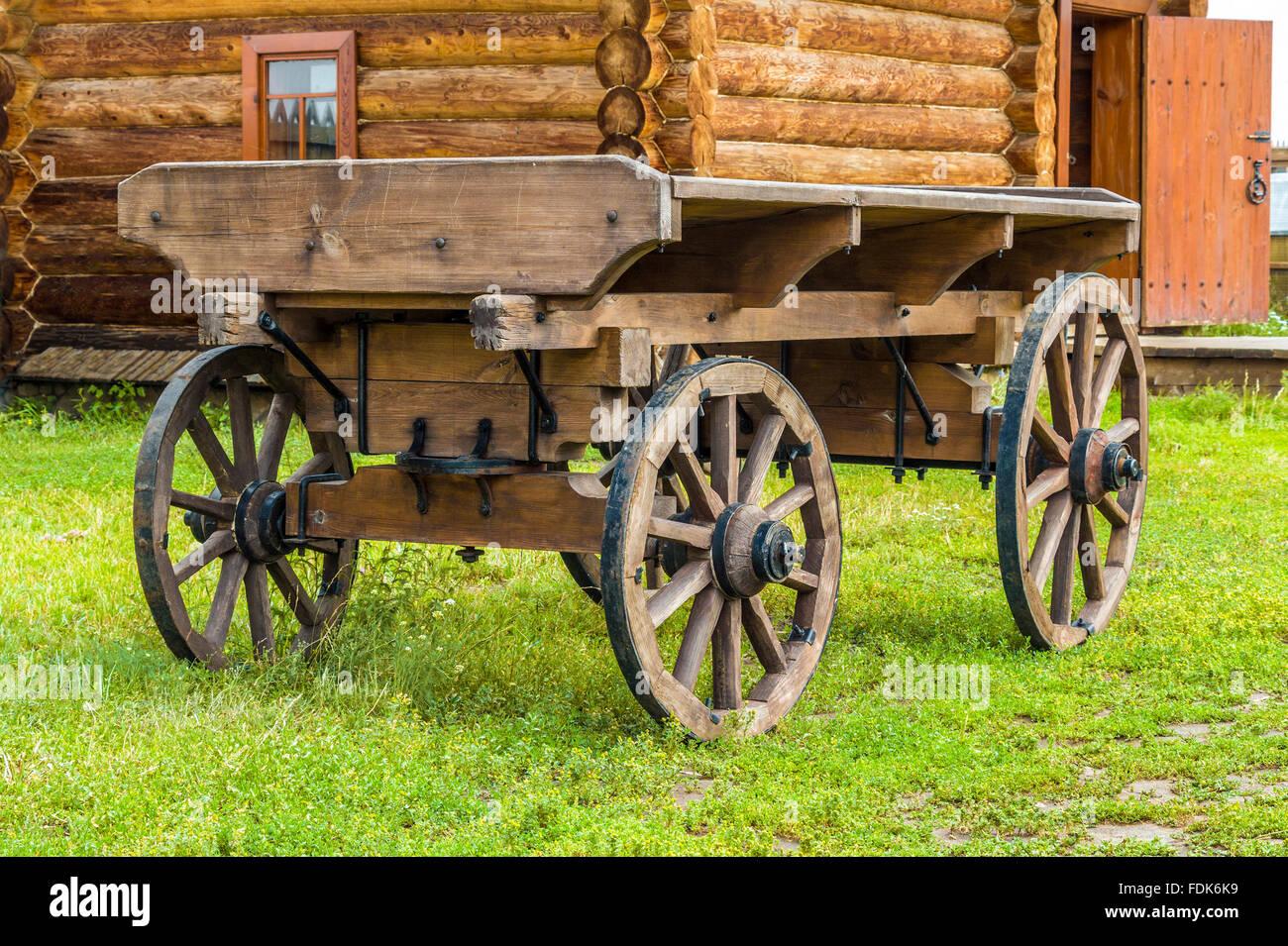 Old Farm Cart Stock Photos & Old Farm Cart Stock Images - Alamy