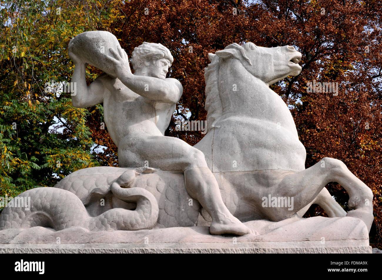fountain figurine,wittelsbacherbrunnen,lenbachplatz - Stock Image