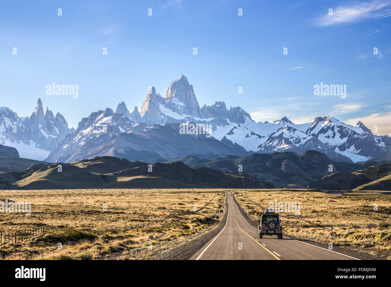 Jeep traveling on National Route 40 overlooking Monte Fitz Roy also known as Chalten - Stock Image
