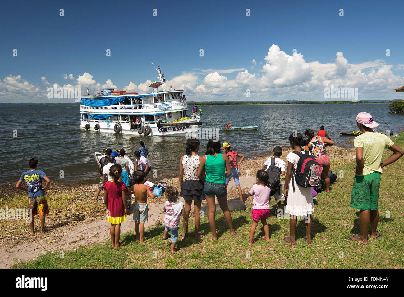 Playground - typical boat reaches the shore Apace Community of the Rio Tapajos - Stock Image