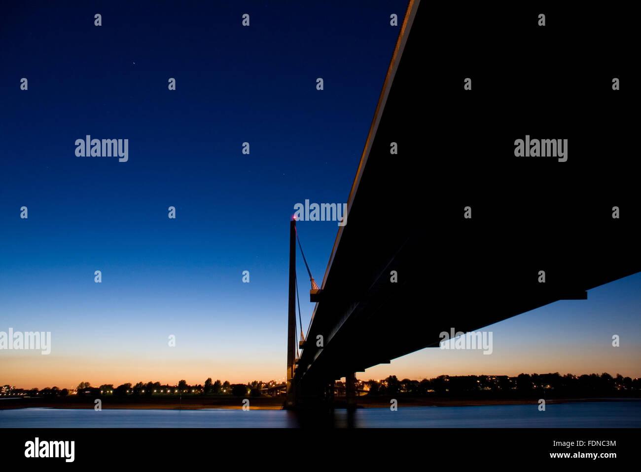 bridge,rheinkniebrücke - Stock Image