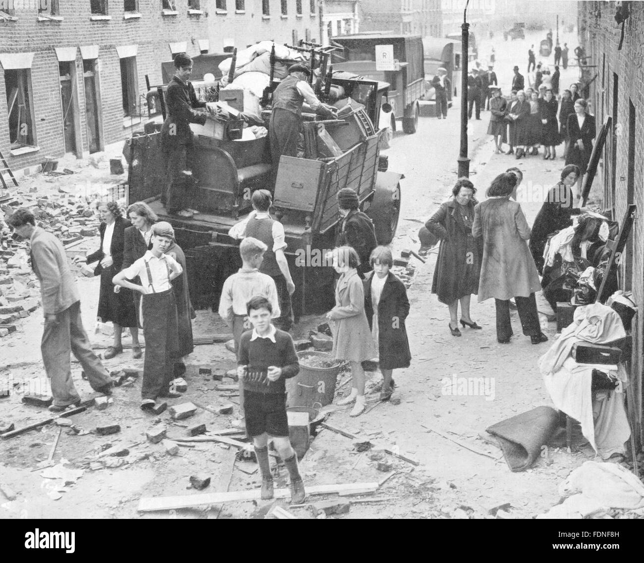 LONDON: World War 2 blitz bomb damage, vintage print 1943 - Stock Image