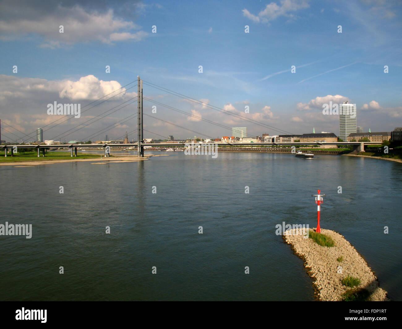 düsseldorf,rhine river,rheinkniebrücke - Stock Image
