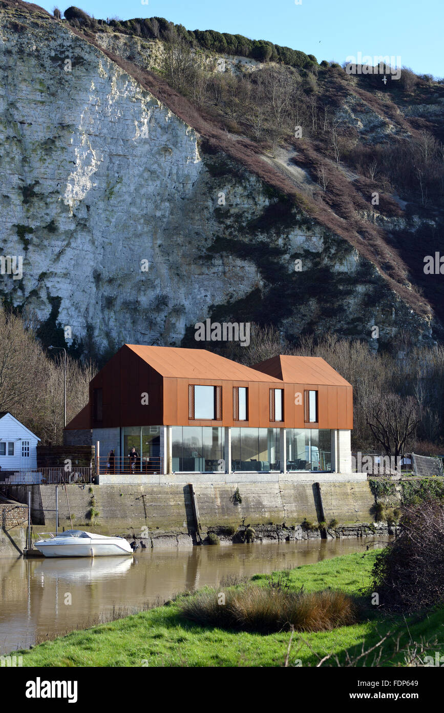 'Grand Designs' architect designed new home built in Lewes on the banks of the river Ouse and featured in - Stock Image
