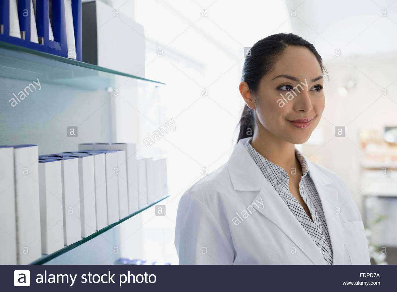 smiling doctors office 25-29 years aesthetician - Stock Image