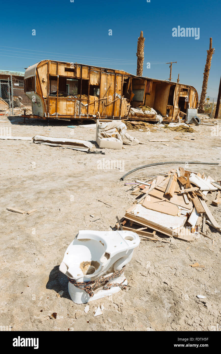 An abandoned camping trailer on the western shore of the Salton Sea, California - Stock Image