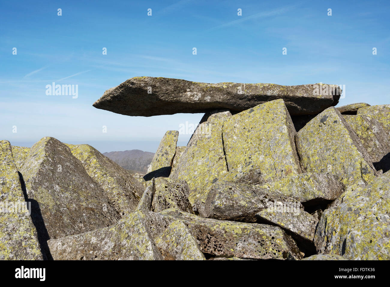 The Cantilever rock near the summit of Glyder Fach in Snowdonia - Stock Image