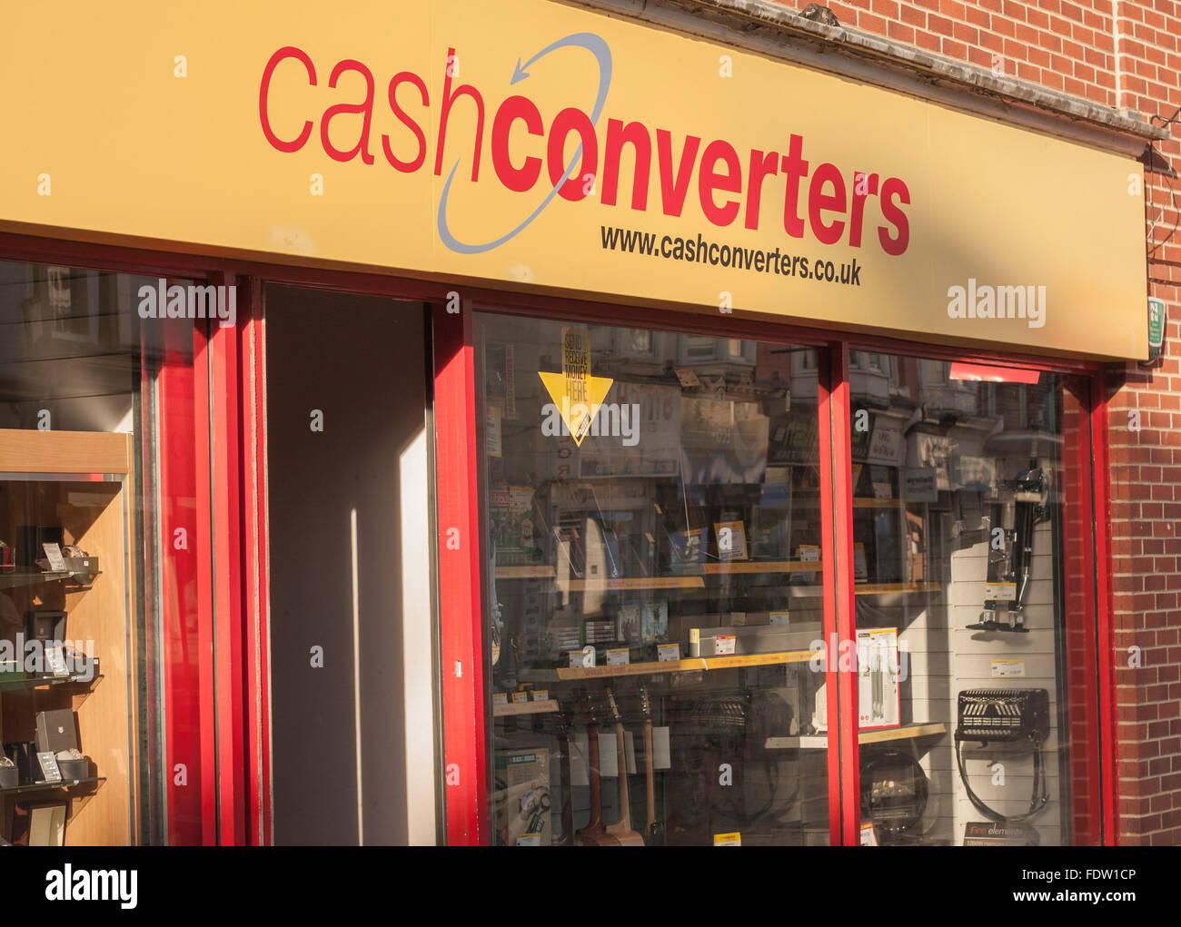 100 instant cash loan image 6